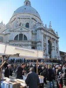 """21 novembre: Venezia, la""""Salute"""" e la Castradina"""