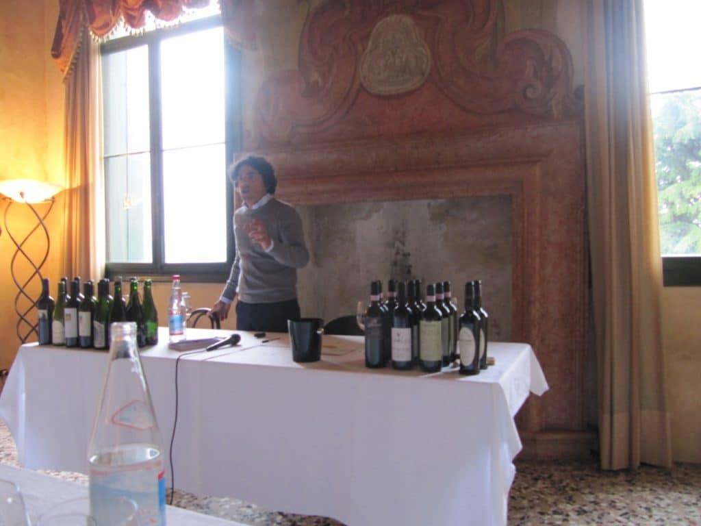 Andrea Ugolotti... presenta i vini